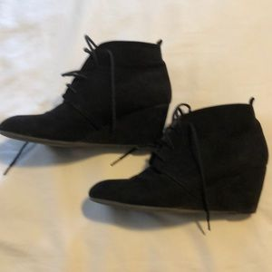 New direction lace up boots